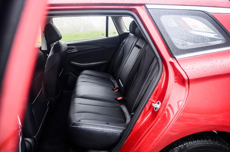 MG 5 SW EV 2020 Révision de l'essai routier - sièges arrière