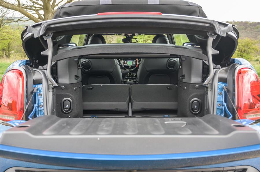 20 Mini Cabriolet 2021 RT coffre