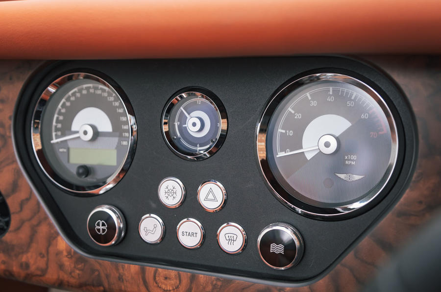 Morgan Plus Six 2019 road test review - gauges