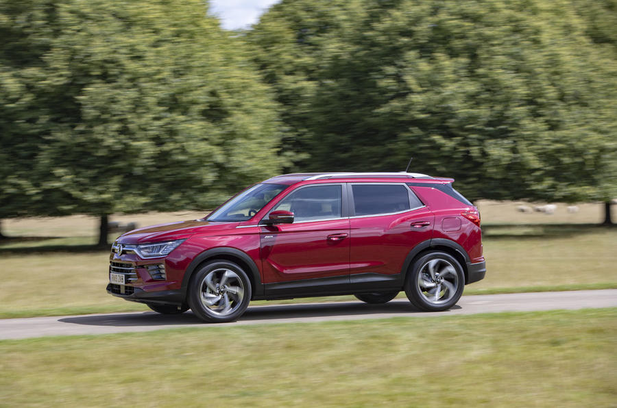 Ssangyong Korando 2019 road test review - on the road side