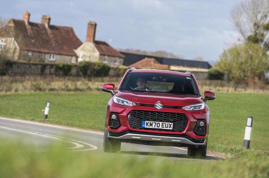 20 Suzuki Across 2021 : examen de l'essai routier sur le nez de la route