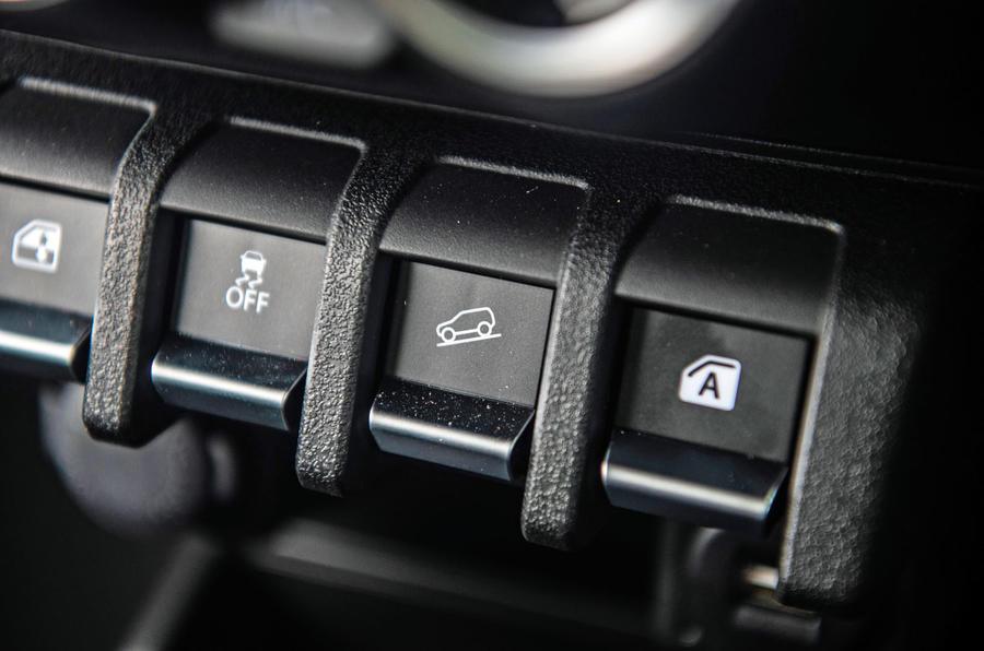 Suzuki Jimny 2018 road test review - off-road controls