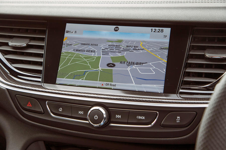 Vauxhall Insignia Sports Tourer GSI review infotainment