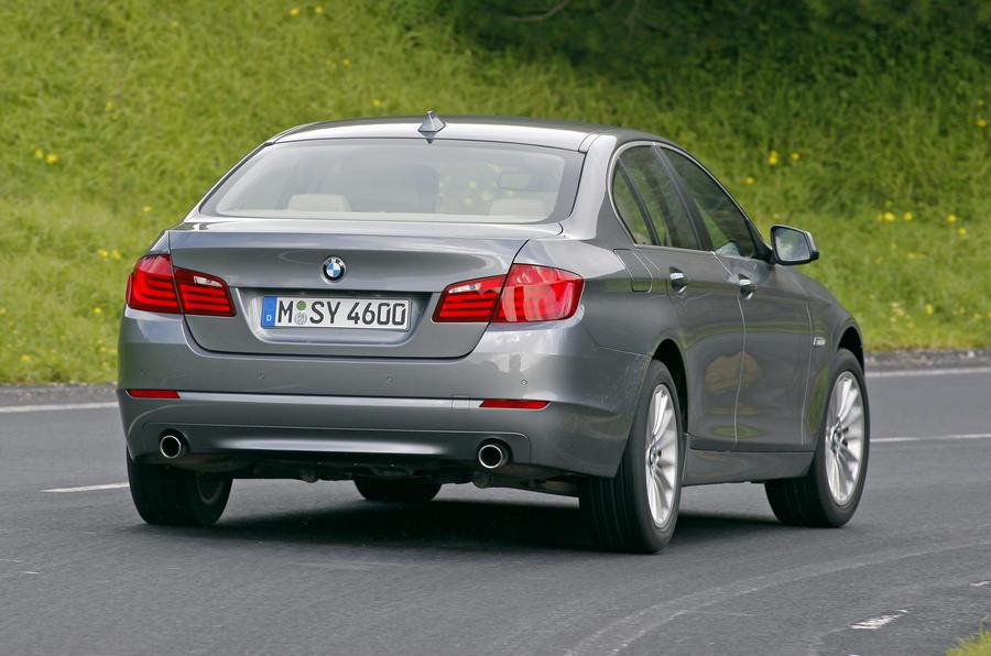 BMW 528i SE rear