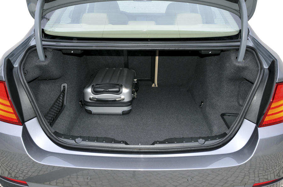 BMW 535i boot space