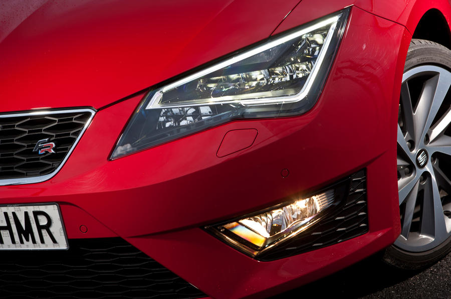 Seat Leon LED headlights