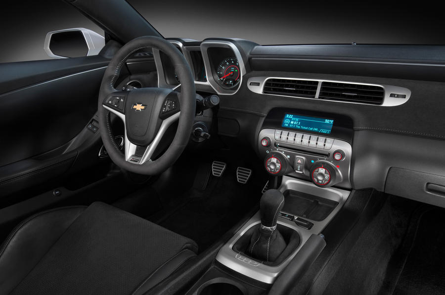 Chevrolet Camaro Z/28 dashboard
