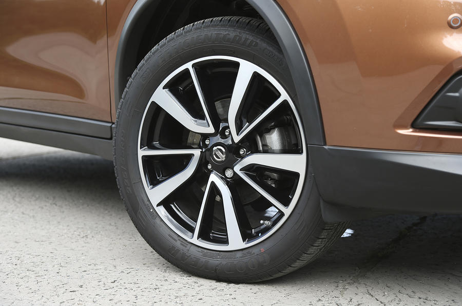 17in Nissan X-Trail alloy wheels