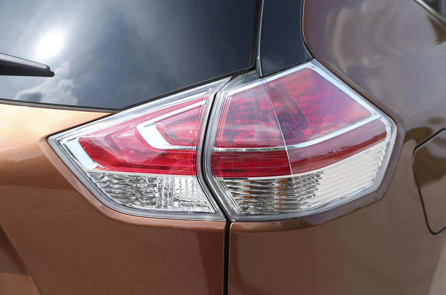 Nissan X-Trail rear lights