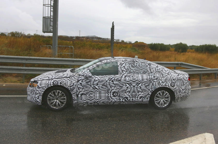 New Volkswagen Passat spotted - first pictures