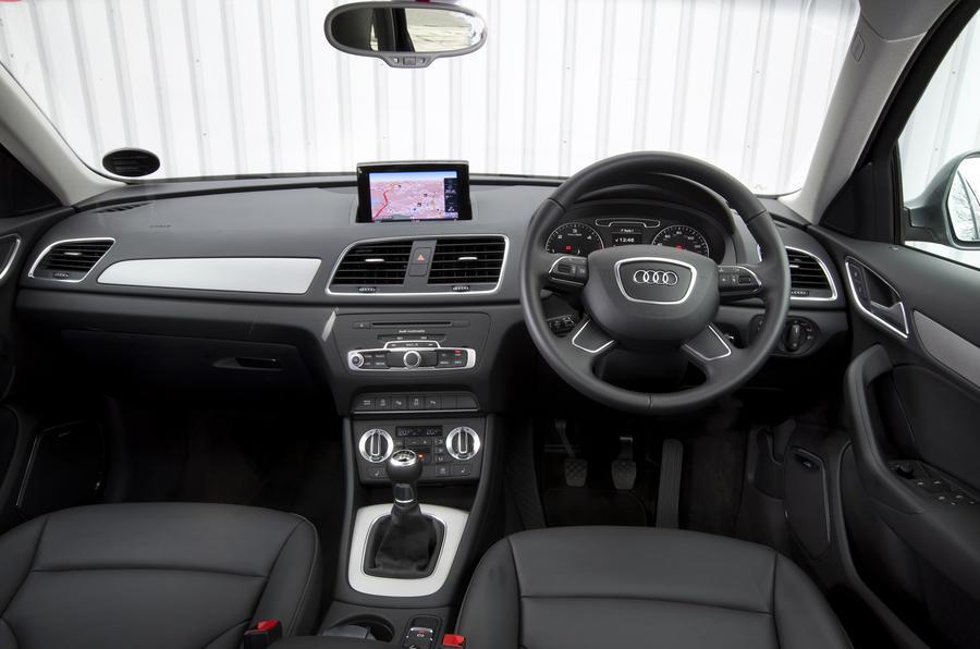 Audi Q3 SE dashboard