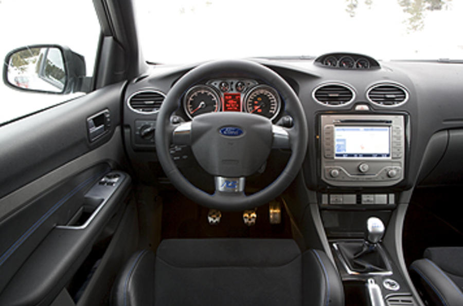 2009 Ford Focus Rs Mk2 Review And Video Review Autocar
