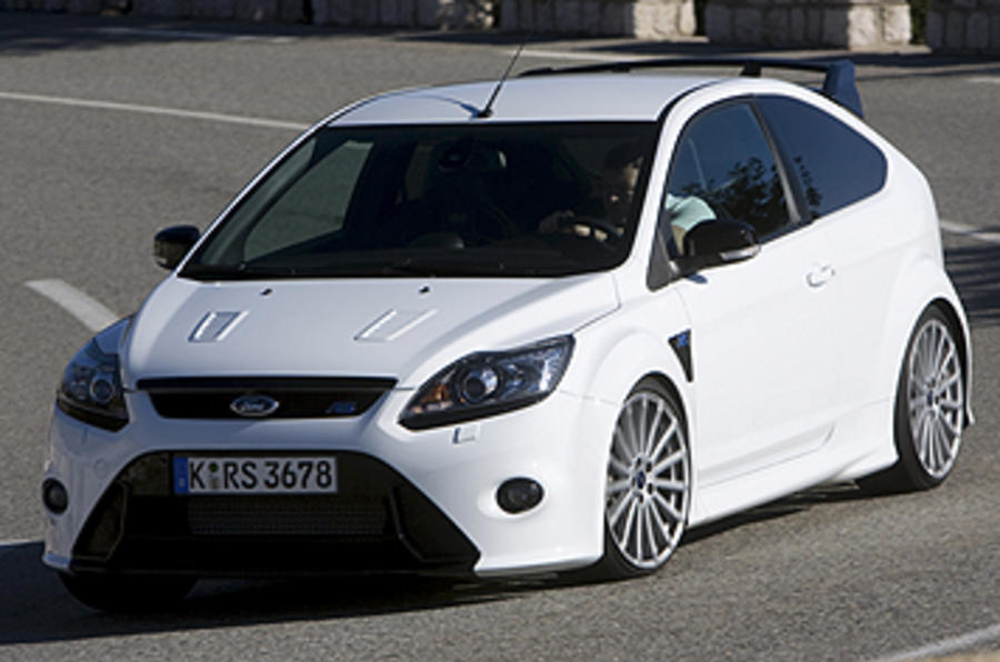 2009 ford focus rs mk2 review and video review autocar. Black Bedroom Furniture Sets. Home Design Ideas