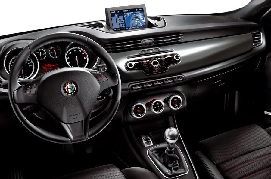 Alfa Romeo Giulietta dashboard