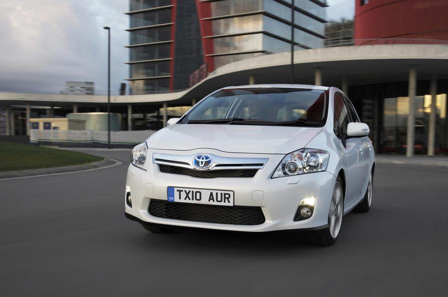 Toyota Auris Hybrid T4 front end