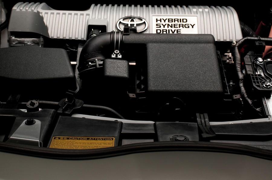 Toyota Auris Hybrid T4 engine