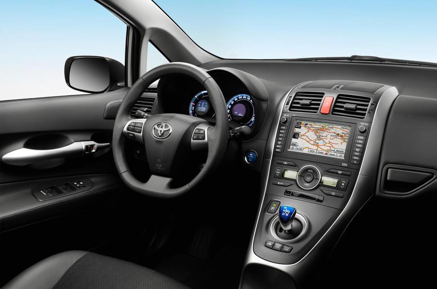 Toyota Auris Hybrid T4