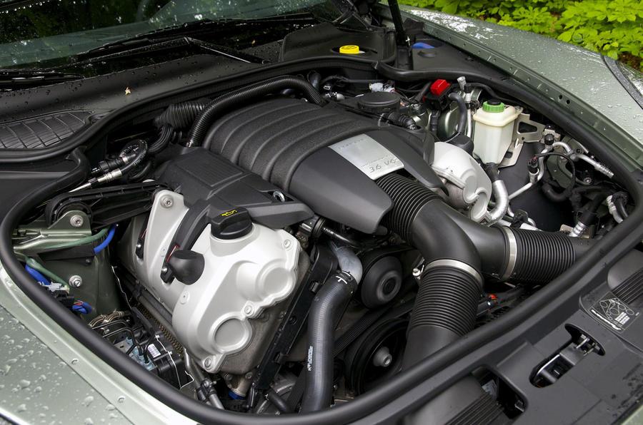 3.0-litre V6 Porsche Panamera 4 engine