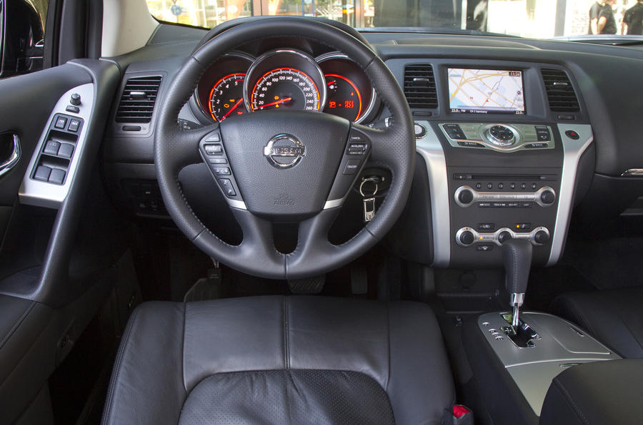 Nissan Murano dashboard