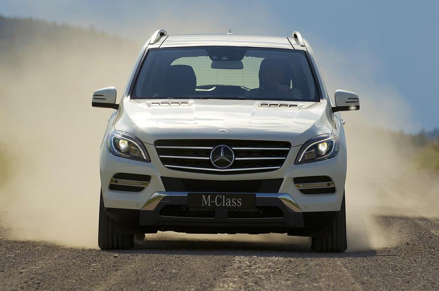 Mercedes-Benz ML 350 4Matic off-road