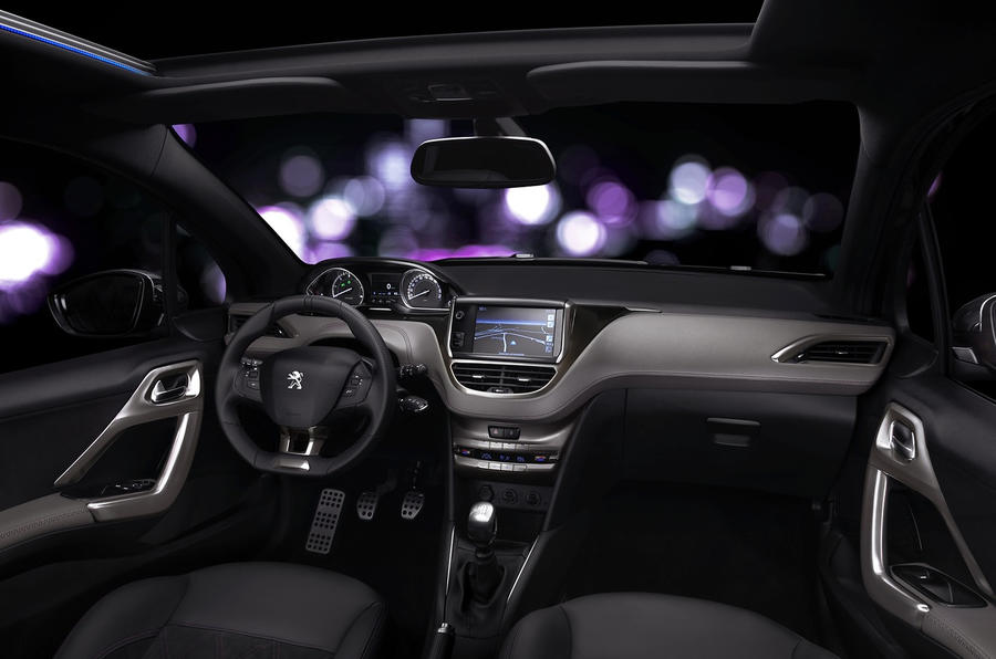 Peugeot 208 XY dashboard