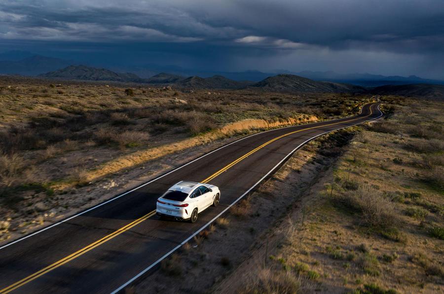 BMW X6 M Competition 2020 : examen de l'essai routier - sur l'autoroute