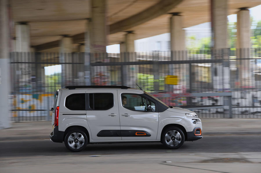 Citroen Berlingo 2018 road test review - on the road side