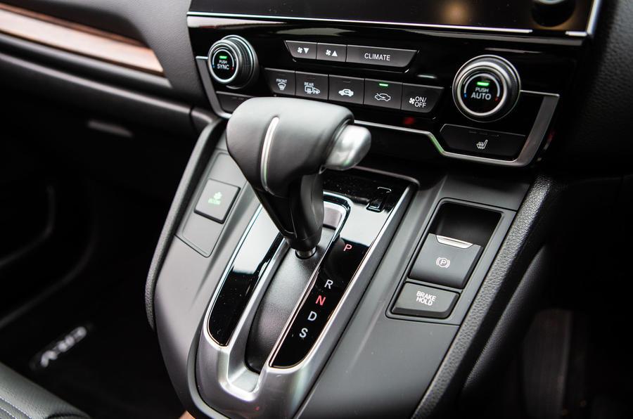 Honda CR-V 2018 road test review - centre console