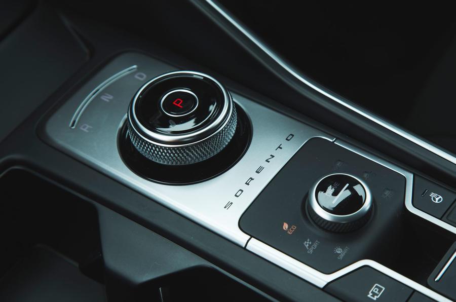 21 Kia Sorento 2021 essai routier examen sélecteur de vitesse