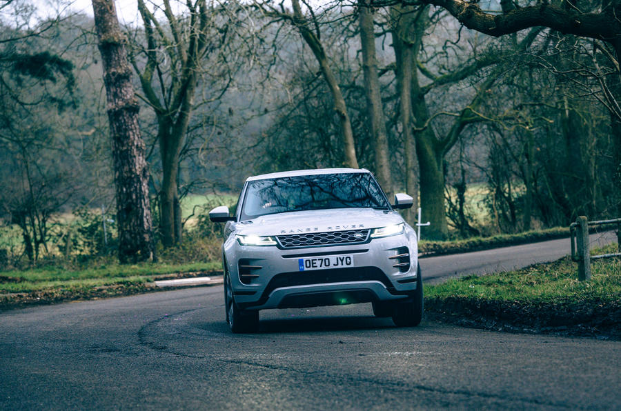21 Land Rover Range Rover Evoque 2021 : l'essai routier en virage