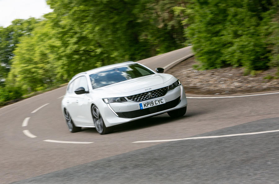 Peugeot 508 SW 2019 review - cornering front