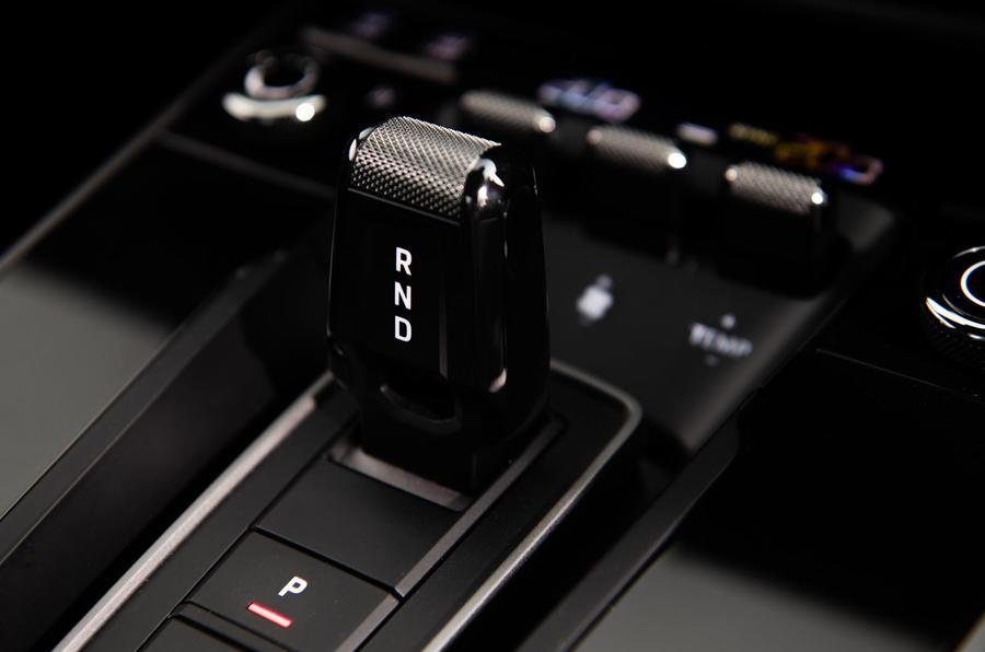 Porsche 911 Carrera S 2019 road test review - gear shifter