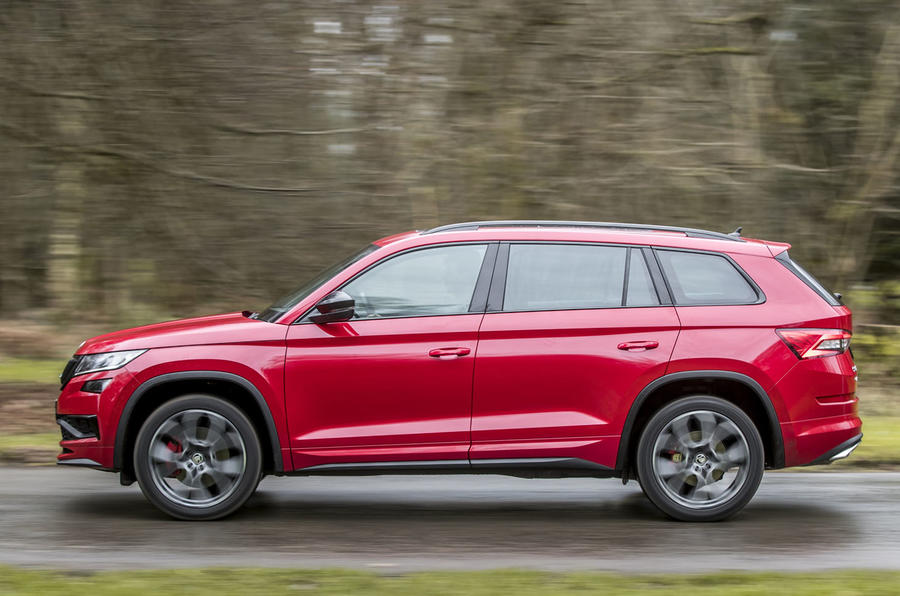 Skoda Kodiaq vRS 2019 road test review - on the road right