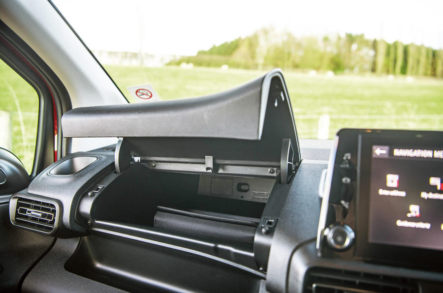 Vauxhall Combo Life 2018 road test review - glovebox