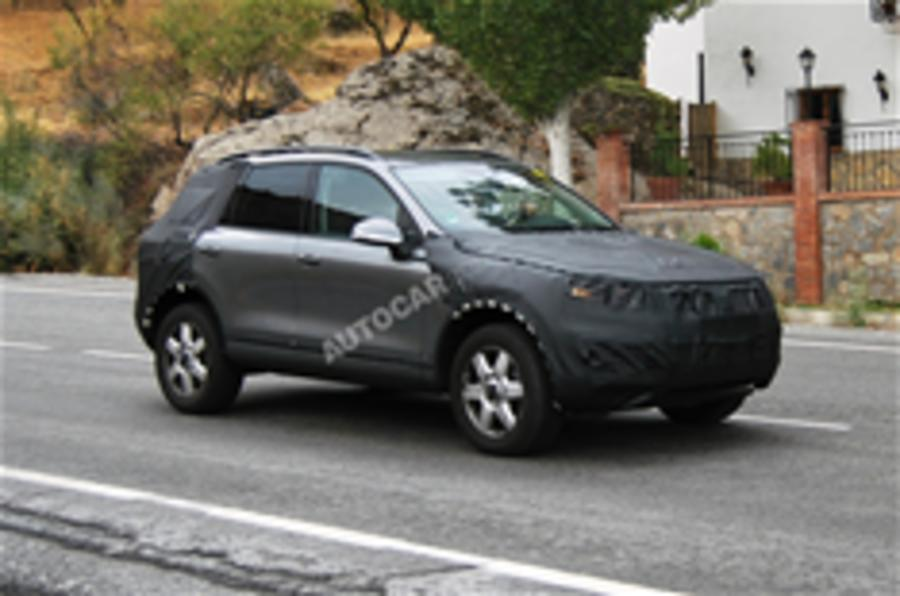 Next VW Touareg spied