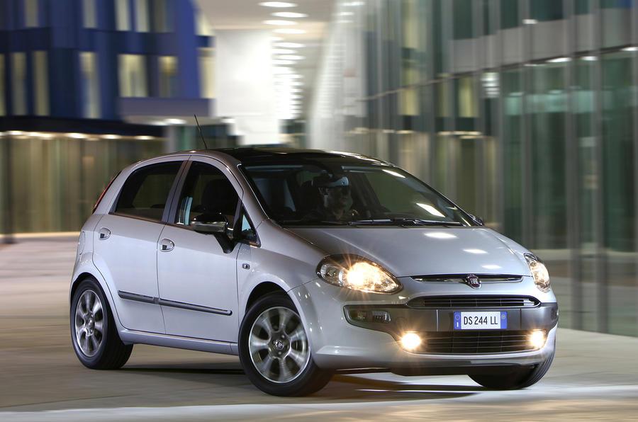 Fiat Punto Evo at night