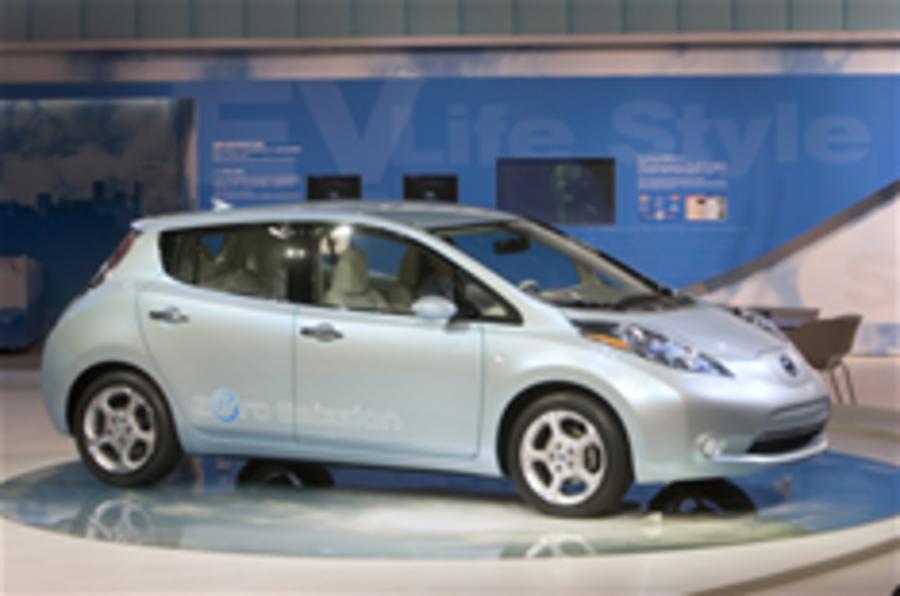 Tokyo video: Nissan Leaf