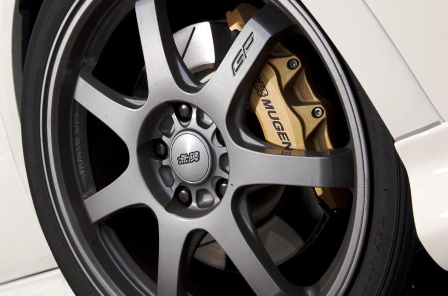 18in Honda Civic Type R Mugen alloys