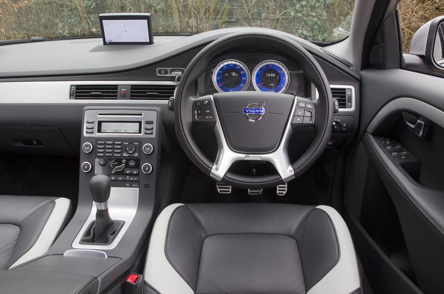 Volvo V70 T4 SE dashboard