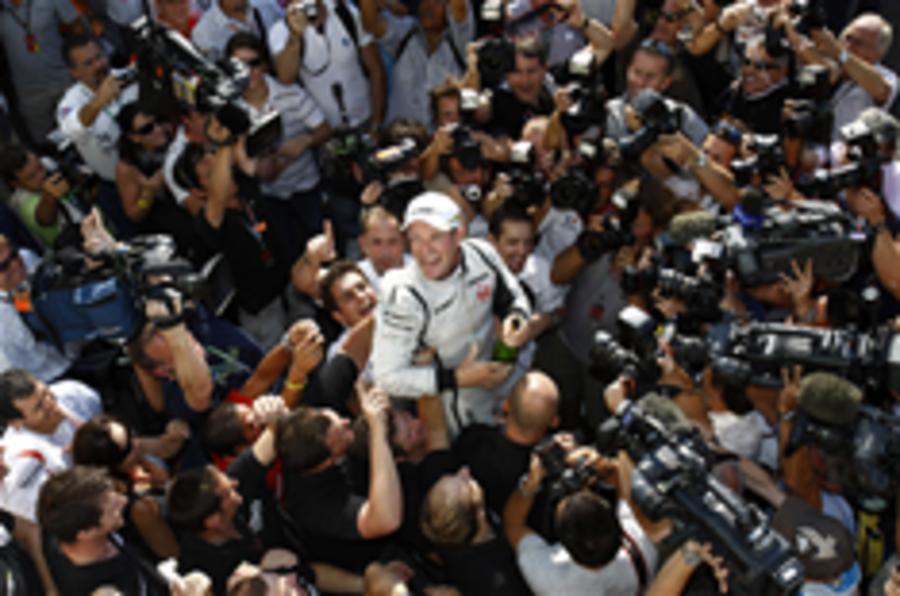 Barrichello switches to Williams