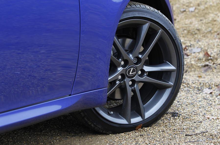 17in Lexus IS 200d F-Sport alloys