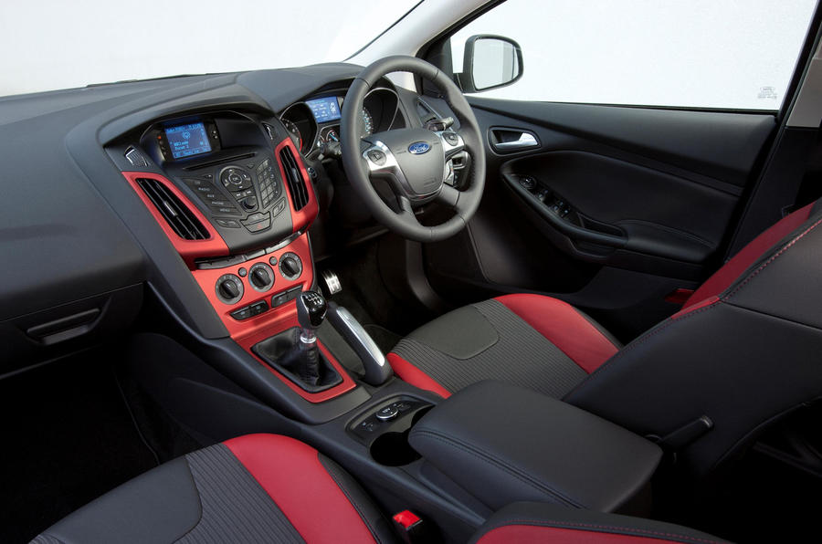 Ford Focus Zetec S dashboard