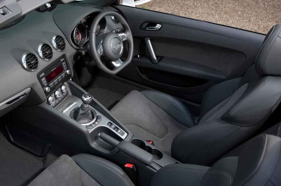 Audi TT 1.8 TFSI Sport dashboard