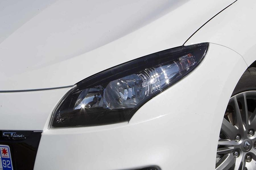Renault Megane headlight