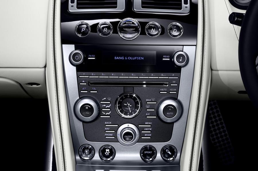 Aston Martin Virage Volante centre console