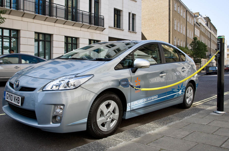 Charging the Toyota Prius plug-in