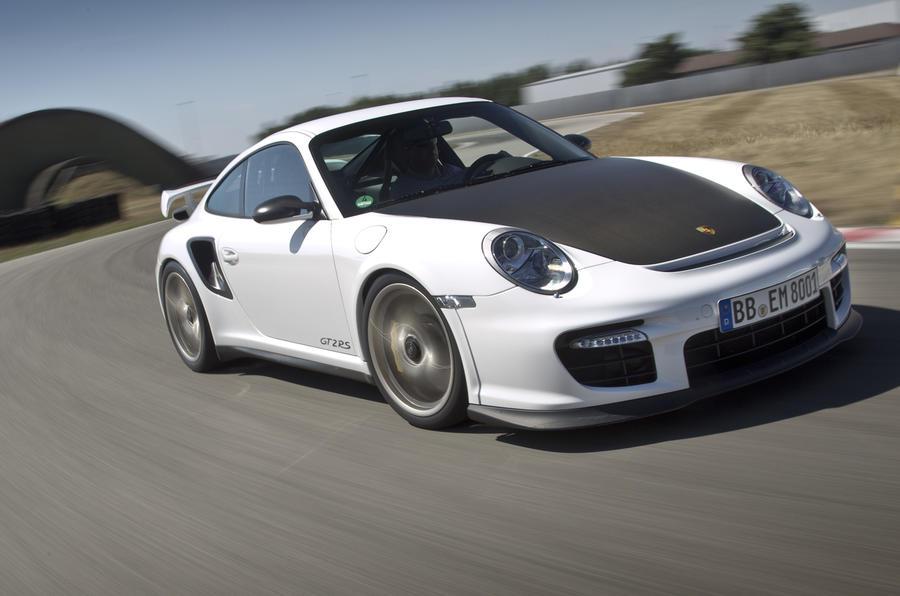 Porsche 911 GT2 RS front end