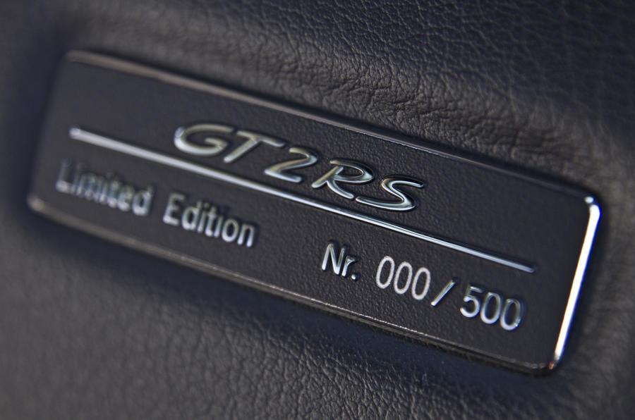 Porsche 911 GT2 RS plaque