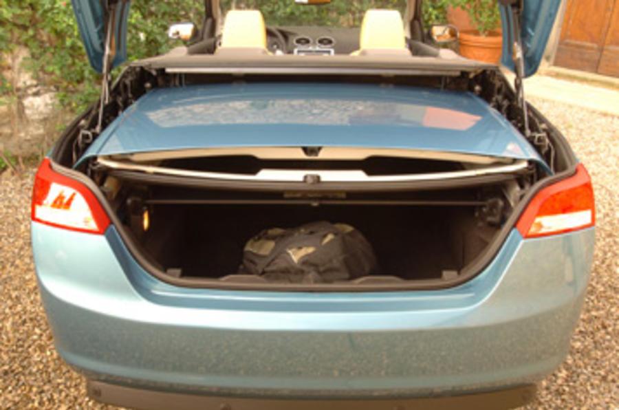 Ford Focus 2 0 Tdci Cc Review Autocar