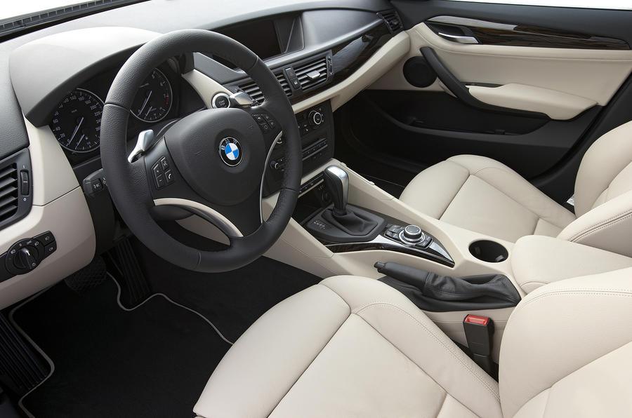 BMW X1 xDrive 28i interior